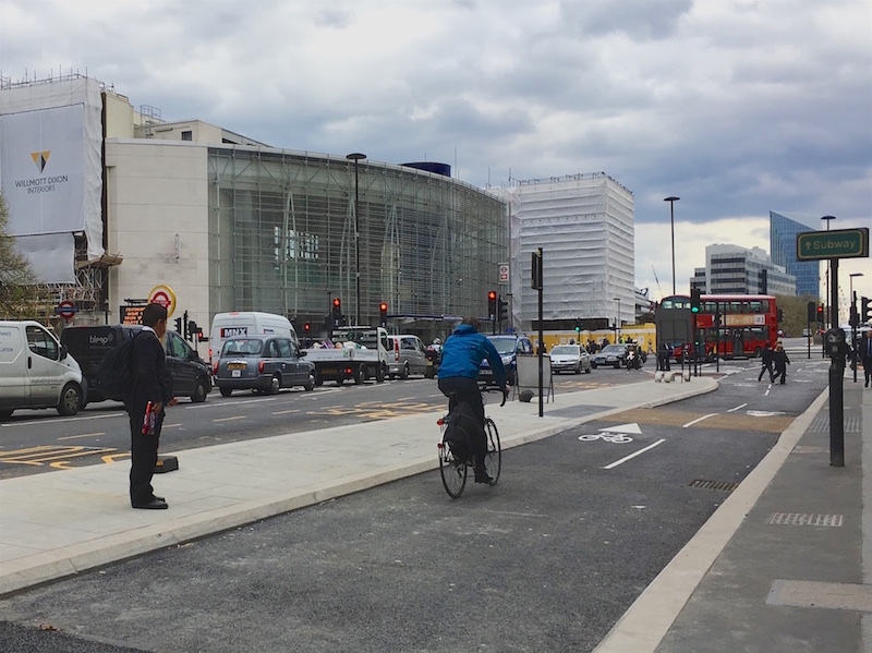 CS6 cycle lane at Blackfriars.